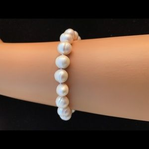 Jewelry - Real Fresh Water pearl bracelet